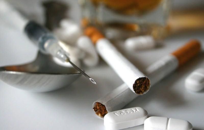 Сонник Наркотики 😴, к чему снятся Наркотики женщине 💤, что означает увидеть Наркотики во сне