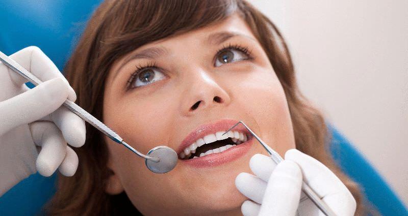 Что означает лечить зубы во сне