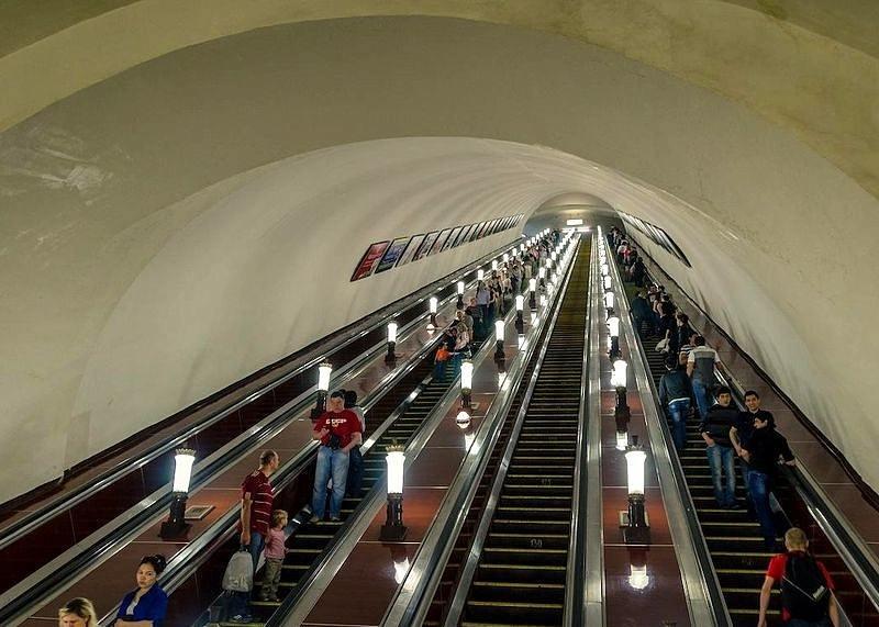 К чему людям снится метро?