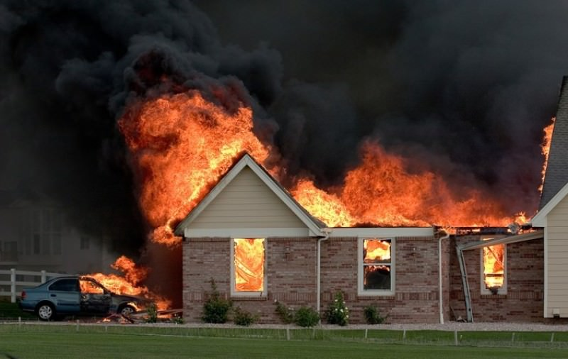 Сонник: к чему снится огонь или пожар, видеть пожарного во сне девушке, что означает, какое толкование спасаться, описание