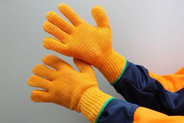 перчатки в соннике