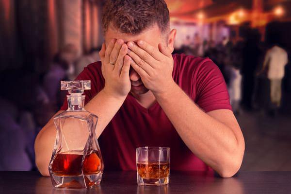 К чему снится пьяный муж и стоит ли бояться грядущей «белочки»