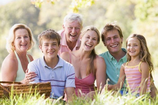 К чему снятся родственники: что пророчит сновидение