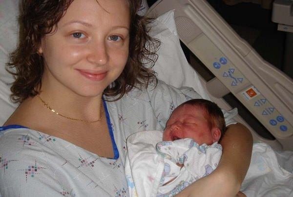 К чему снится рождение девочки: правильное толкование сновидения