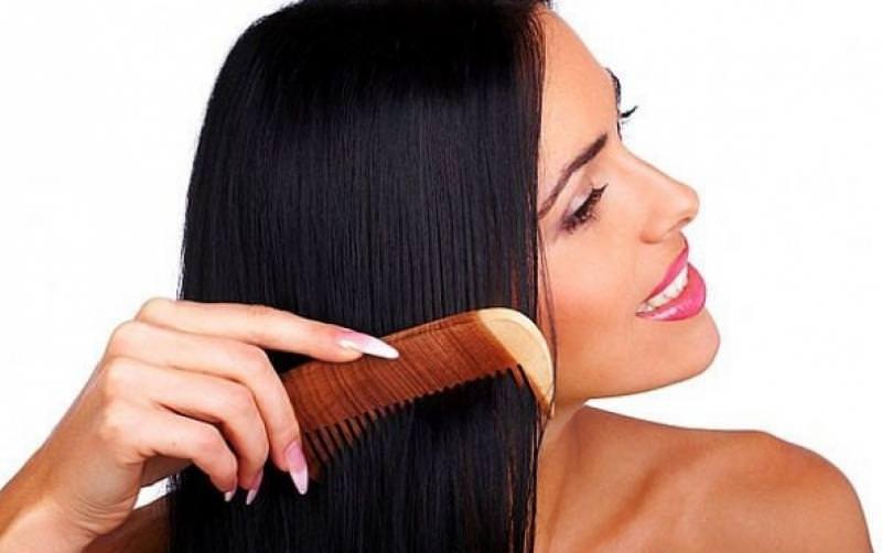Расчёсывать волосы во сне себе перед зеркалом