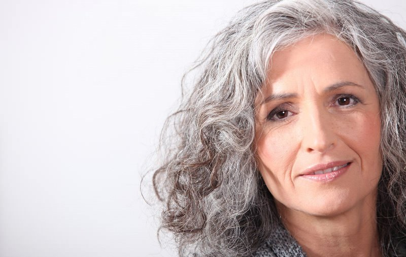 Толкование сна: к чему снятся седые волосы?