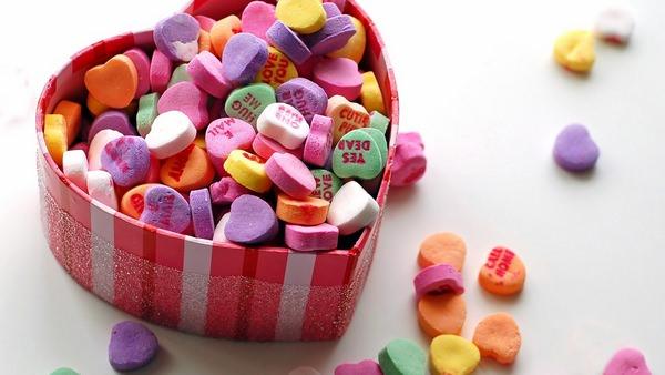 К чему снятся сладости: толкования в сонниках