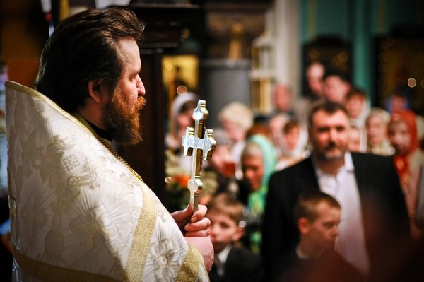 К чему снится священник: правильное толкование сновидения