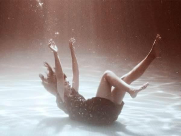 Тонуть во сне: к чему снится, сонник, в воде, грязи, море, реке ...
