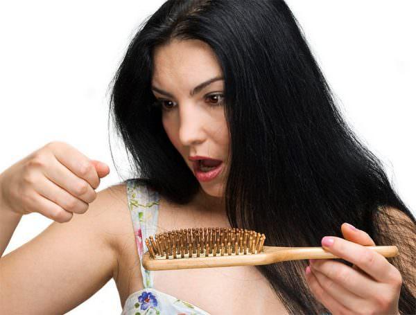 К чему снится выпадение волос и какова вероятность облысеть в реальности