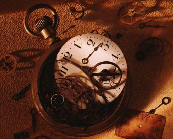 К чему снятся часы: толкования в сонниках