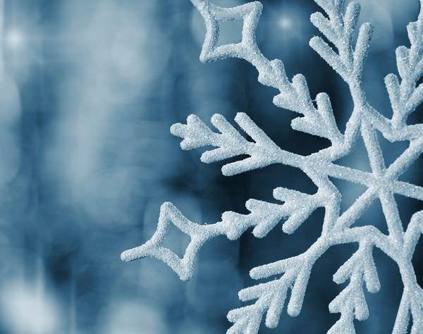 К чему снится чистый белый снег: тревожный знак или предвестник счастья?