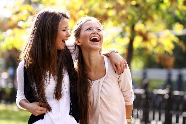 К чему снится друг: положительный или отрицательный знак?