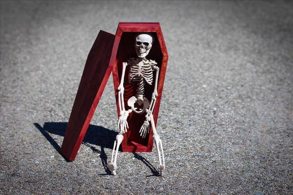 К чему снится синий гроб фото