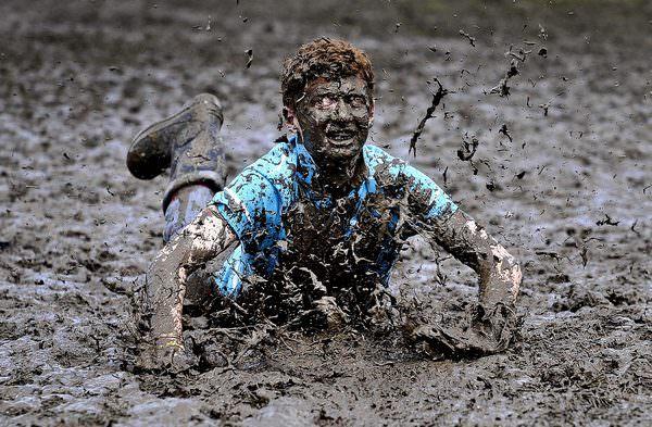К чему снится тонешь в грязи