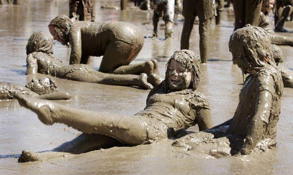 К чему снится грязь: пора помыться?