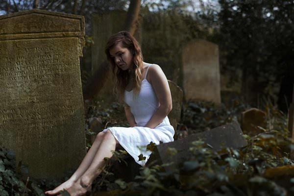 К чему снится кладбище и стоит ли пугаться?