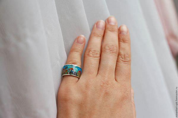К чему снится одевать кольцо на безымянный палец