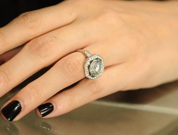 К чему снится кольцо: радоваться или подождать?