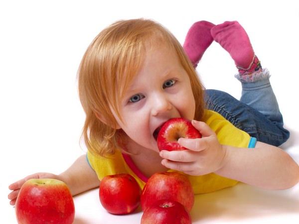 К чему снятся красные яблоки: значения и толкования