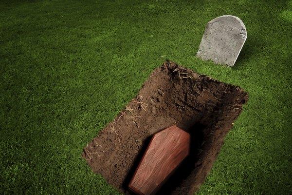 К чему снятся могилы, и стоит ли страшиться таких снов?