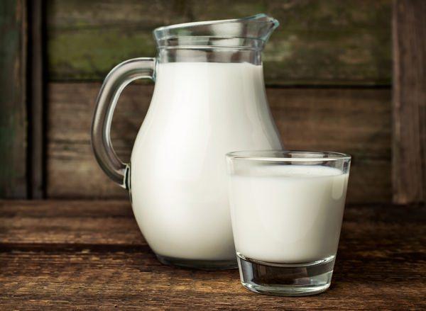 К чему снится молоко: сновидцу не хватает кальция?