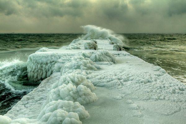 К чему снится море: не пора ли в отпуск?