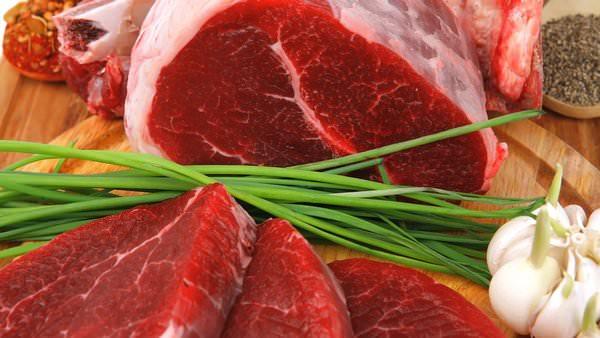 К чему снится мясо: не хватает белка?