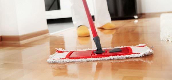 К чему снится мытье полов: кому-то пора за уборку?