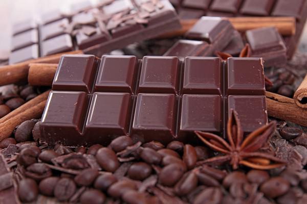 К чему снится шоколад: тянет на сладкое?