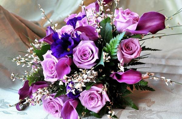 Во сне парень подарил цветы