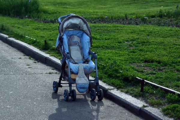К чему снится детская коляска: ждать пополнения?