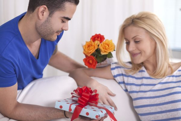 Выбирать подарок – что сулит такой сон и каковы его трактовки в сонниках